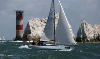 La Contessa Rose passing the Needles